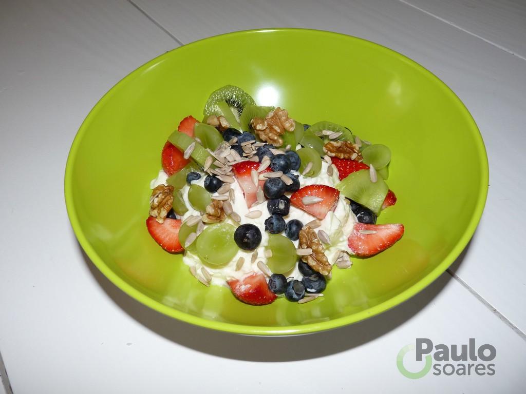 Heerlijke magere kwark met vers fruit